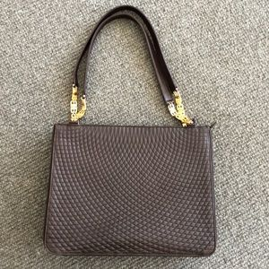 GORGEOUS Bally quilted shoulder bag